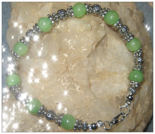Beautiful Silver Bracelet with Green Jade